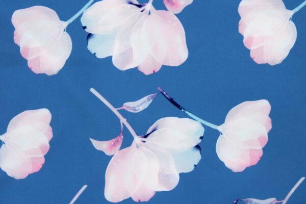 Tkanina Drukowana Bluzkowa Kwiaty Akwarelowe Jeans Tło
