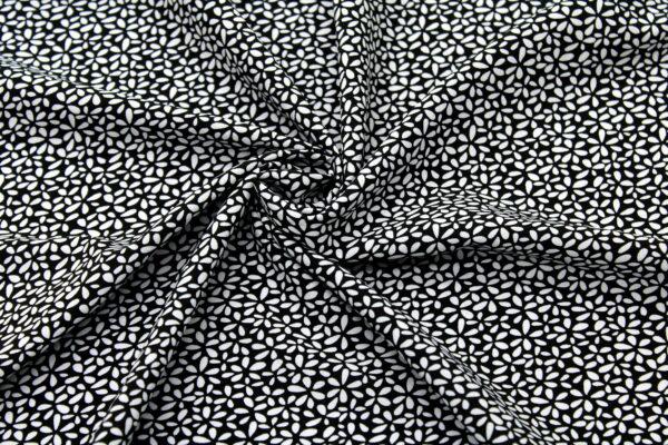 Tkanina Drukowana Bluzkowa Kwiatki Czarne Tło