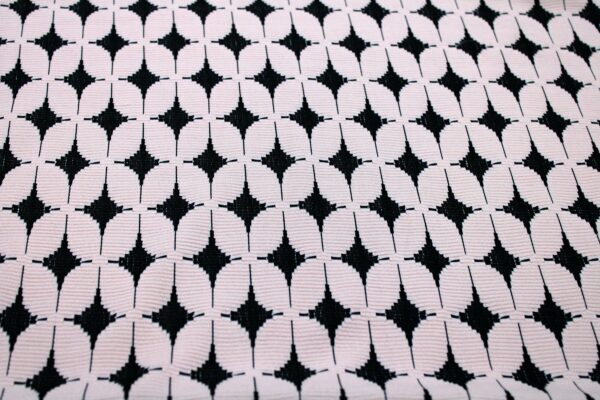 Dzianina Żakardowa Sukienkowa Na Spódnicę Geometryczny Wzór Pudrowy Róż