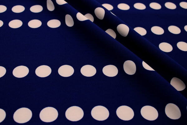 Tkanina Drukowana Sukienkowa Garniturowa Pudrowe Grochy Granatowe Tło
